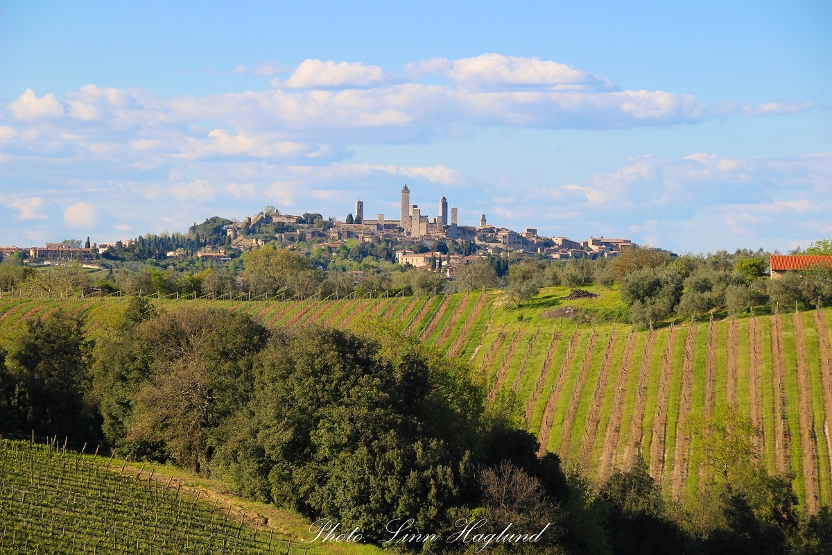 top places to visit in tuscany-San Gimignano