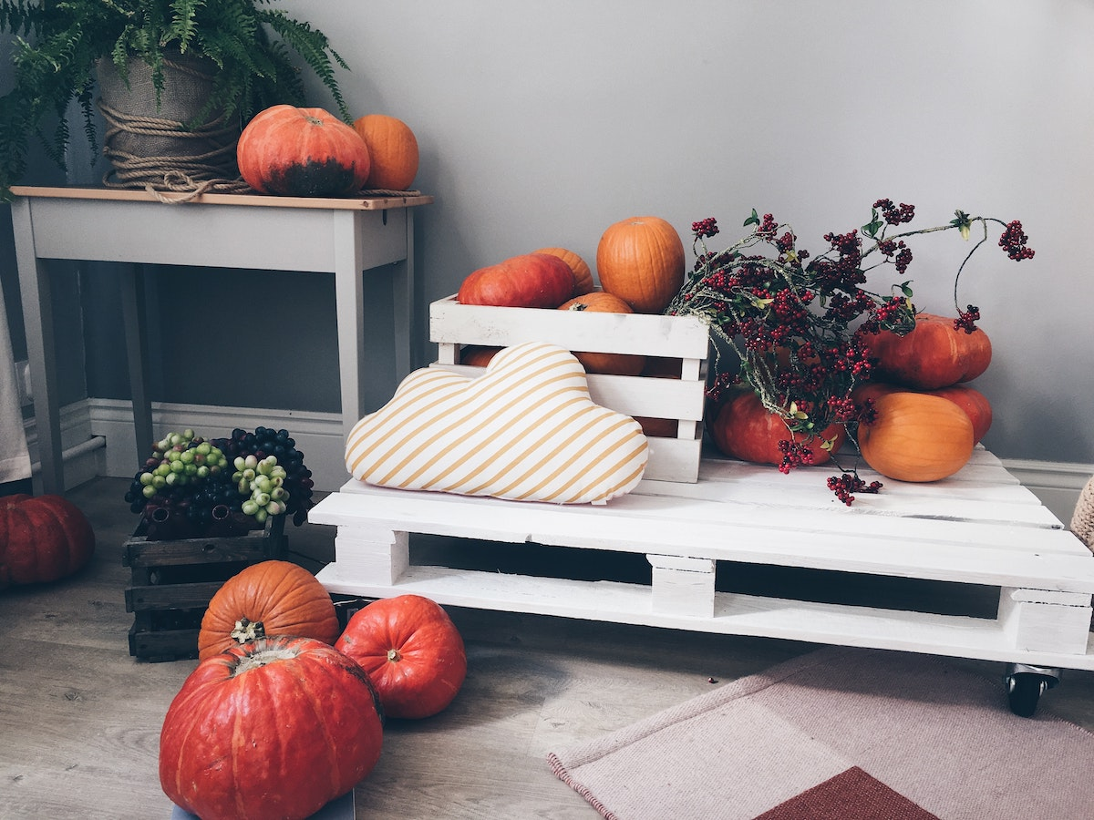 fall decor for apartment