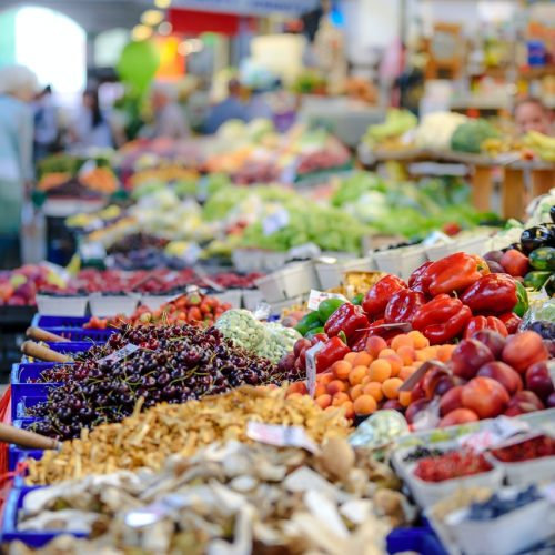 Grocery Shopping on a Budget- How to save money and still eat well.