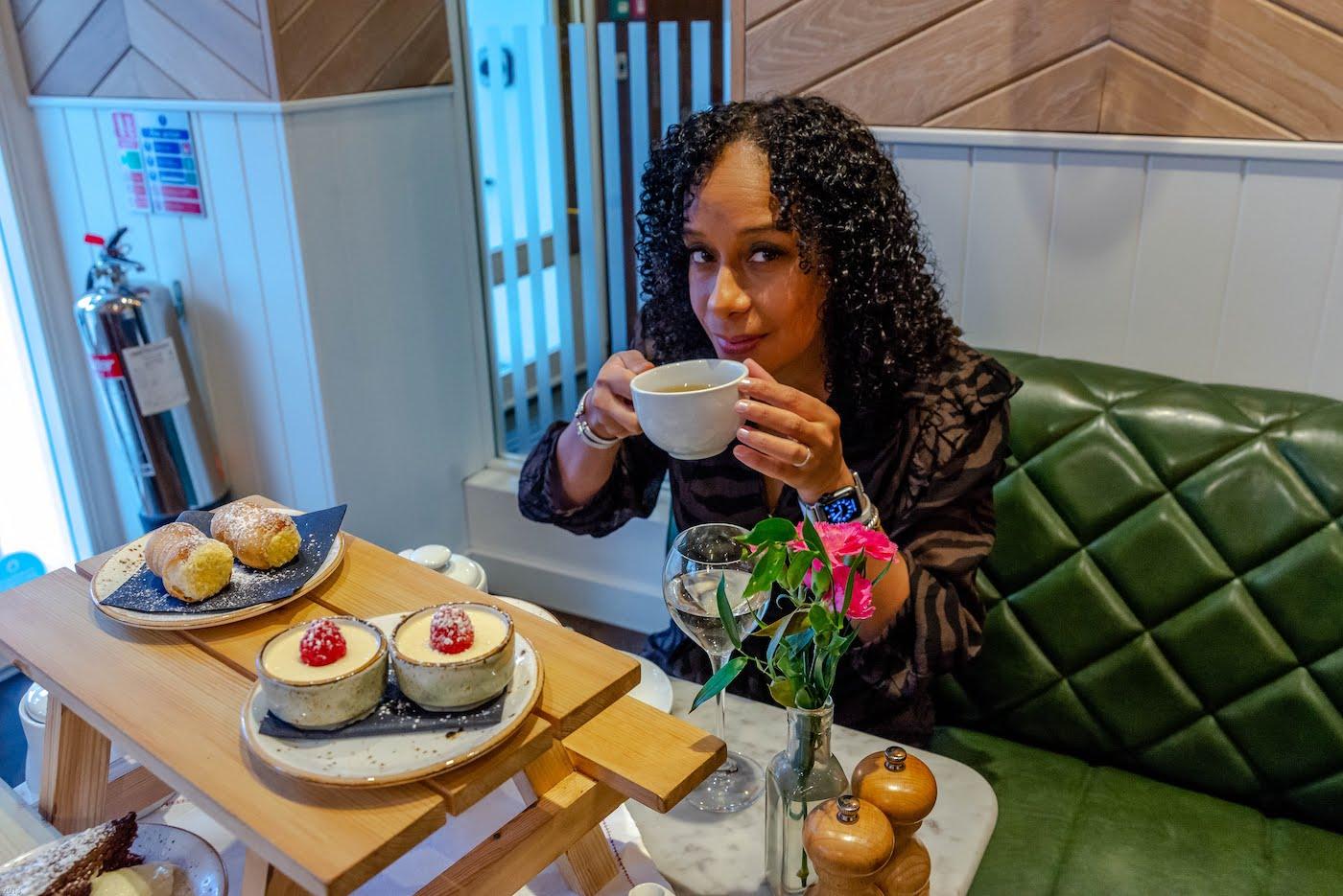 Two days in London. Having High Tea in London.